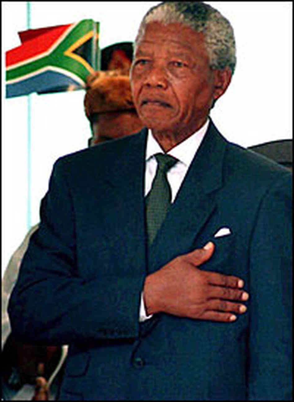 nelson madela the leader Every time i think of nelson mandela, the great south african leader, the first thought in my mind is we need more like him we are ready and in.